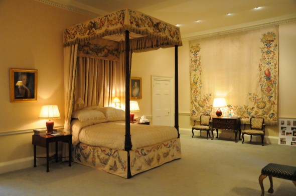Ugbrooke Park - four-poster bedroom