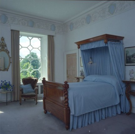Braxted Park - four-poster bedroom